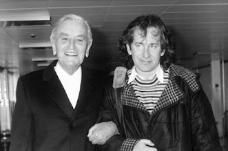 """Photo: David Lean e Steven Spielberg, que junto com Martin Scorsese foi fundamental para promover a restauração do filme""""Lawrence da Arábia"""", 25 anos depois de seu lançamento nos cinemas."""