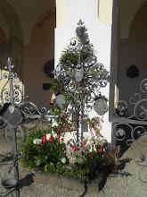 Photo: Am Grab der Großeltern