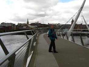 Photo: Andrea sul ponte di Derry (foto Anna)
