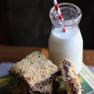 Crumble Date Bars