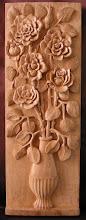 Photo: Jarrón con flores. Tamaño: 23 x 65 cm. Talla en madera. Woodcarving.  Para leer algo más en relación con esta obra ir al blog: http://tallaenmadera-woodcarving-esculturas.blogspot.com/2011/03/jarron-con-flores.html