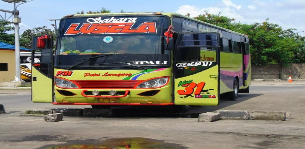 Download Bus Simulator Indonesia V3 2 Apk Latest Version App By Mod Bussid Indonesia For Android Devices Apkpr Com