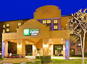 Holiday Inn Express and Suites Irving North Las Colinas