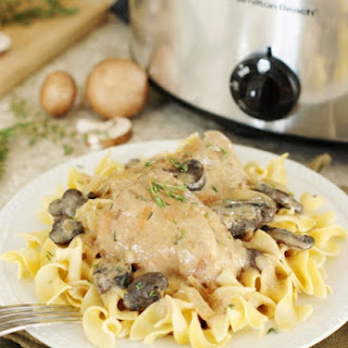 Slow Cooker Chicken Stroganoff (Printable recipe).