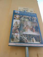Photo: di cui ognuna ospita statue raffiguranti la Via Crucis.