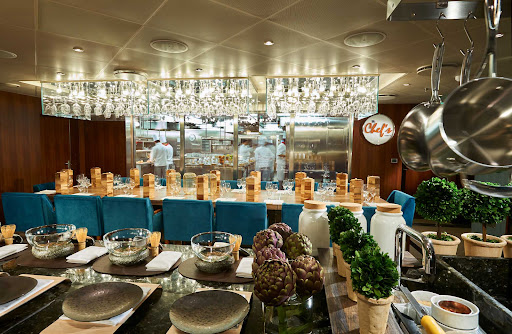 CCL_Horizon_Chefs_Table_1690.jpg - Enjoy an expertly prepared dinner at Chef's Table, the specialty restaurant on Carnival Horizon.