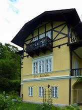 Photo: 'Villa - Bergfried' steht unter Denkmalschutz http://upload.wikimedia.org/wikipedia/commons/c/c4/Reichenau_an_der_Rax%2C_Villa_Bergfried.jpg