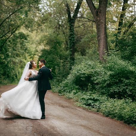 Wedding photographer Veronika Lomukhina (lomukhinanika). Photo of 23.08.2017