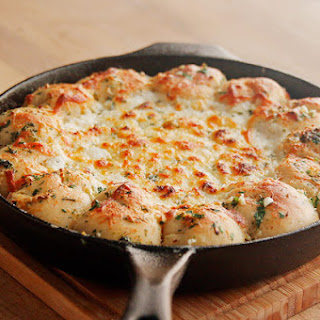 Cheesy Garlic Knot Pizza Dip.