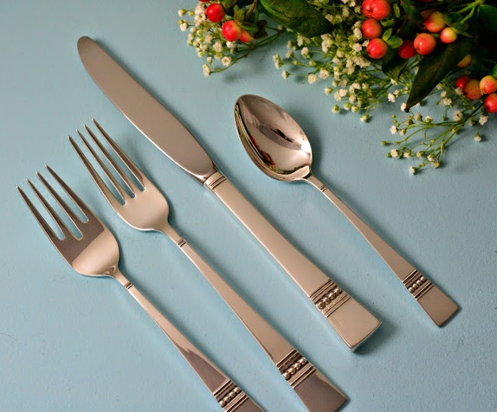 Photo: http://www.RareSterling.com RareSterling.com - Reed and Barton Sterling Silver Flatware - Diadem Pattern