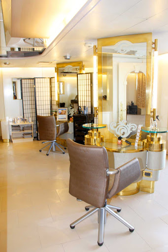 prinsendam-Salon.jpg - The Prinsendam's Salon features a wide assortment of services to make you feel your best.