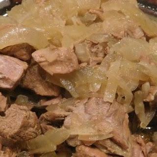 Lahma Bil Basal (Beef in Rich Onion Sauce) Recipe