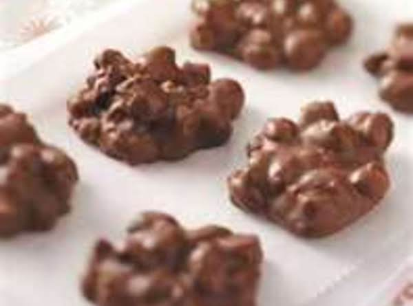 Easy Peanut Clusters Recipe