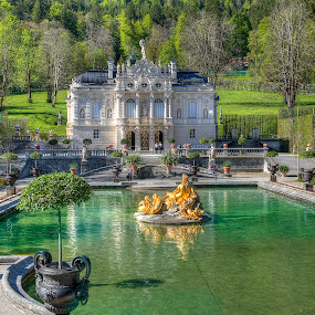 Linderhof Reflecting Pond and Fountain by Elk Baiter - Buildings & Architecture Public & Historical ( german, fountain, linderhof palace, bavaria, garden,  )