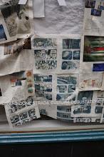 Photo: Hasta los escaparates los empapelan con Bande Desinee, tienen más que papel Kraft.