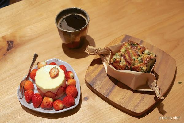藍豆咖啡 竹北 書香氣息濃厚的文青風木質調咖啡店 1+2訪
