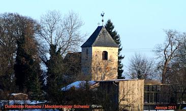Photo: Dorfkirche Rambow ein Feldsteinbau aus der Zeit der Renaissance bei Ulrichshusen in der Mecklenburger Schweiz.  Elisabeth Hillman, geboren in Rambow 1834, + Rostock, heiratet Heinrich Sellschopp aus Mechelsdorf.  siehe: http://goo.gl/eq55Ju