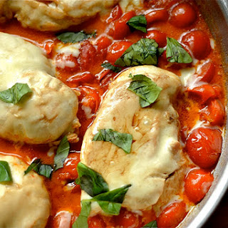 Balsamic Caprese Chicken Skillet