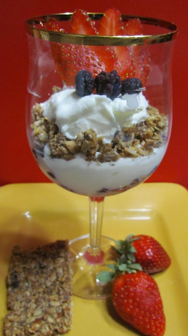 Berry Nutty Granola Recipe
