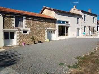 maison à Saint-Projet-Saint-Constant (16)