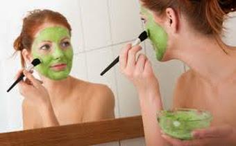 Chăm sóc da sau sinh: đắp mặt nạ dưỡng chất thiên nhiên cho làn da mịn, đẹp
