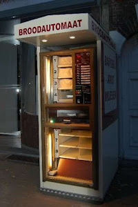 Bread Vending Machine in Europe - Broodautomaat in Belgium