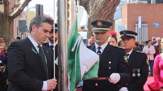 El alcalde de Viator celebrando el Día de Andalucía en años anteriores.