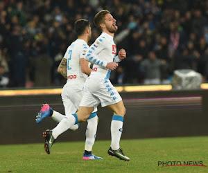 Mertens redt Napoli dankzij ongelooflijke blunder van de doelman (met beelden)