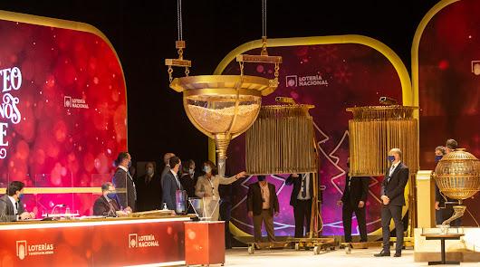 Roquetas de Mar se queda con un décimo del tercer quinto premio, el 19.371
