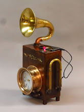 Photo: iPod speaker and clock steampunk