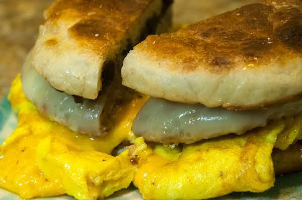 Breakfast Essentials: Sausage, Egg, Cheese Sammie Recipe