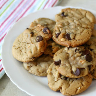 Cashew Nut Cookies with Dark Chocolate Chips.