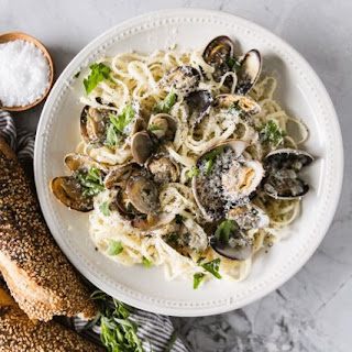 Linguine with Clams and Champagne Recipe