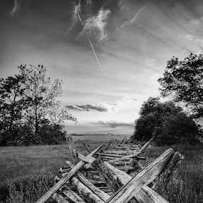 Lines at Gettysburg by Trey Amick - Black & White Landscapes ( fence, blackandwhite, monochromatic, xe-1, sky, monochrome, black and white, civil war, fujifilm, 14mm, fuji, gettysburg )