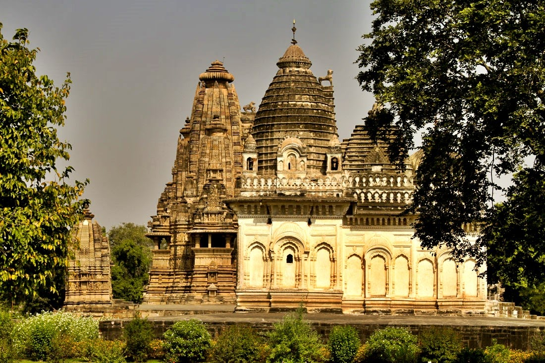 Os templos de Khajuraho e suas esculturas eróticas