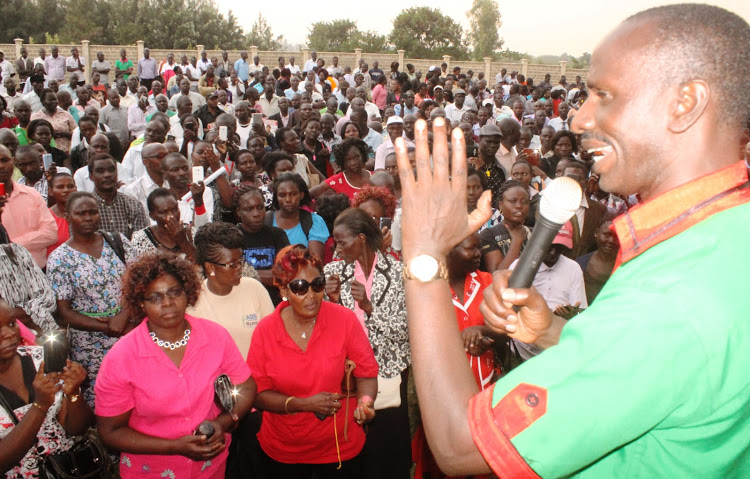 Over 11,000 Nyanza teachers defy Knut boycott