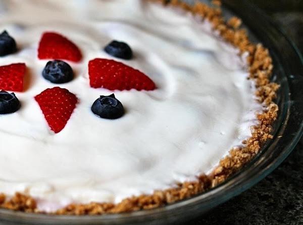 Very Berry Yogurt Pie With Cherrios Crust Recipe