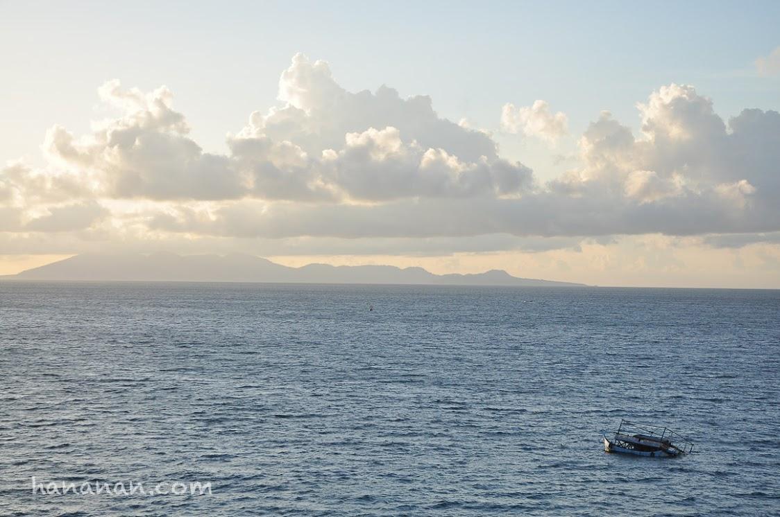 Sebuah bagan yang hampir karam menghadap ke Pulau Weh.