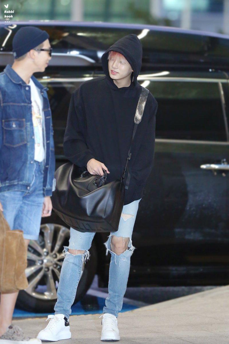 jungkook black bag 5