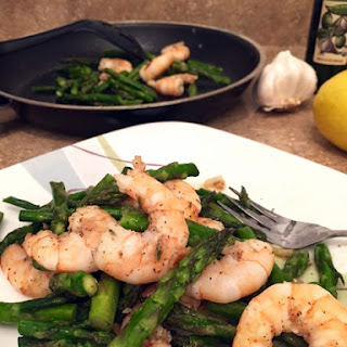 Shrimp and Asparagus with 5 ingredients #SundaySupper