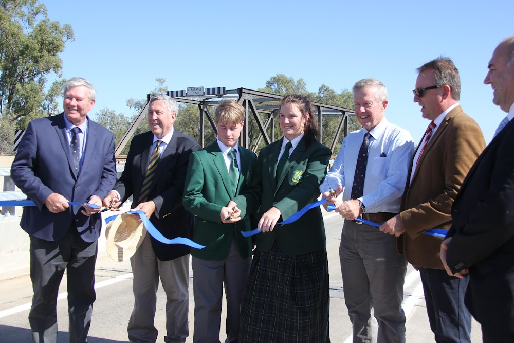 Has there ever been this many ribbon cutters: Narrabri Shire Mayor Conrad Bolton, NSW Roads Minister Duncan Gay, Wee Waa High School captains Nicholas McPherson and Lilly Cruckshank, Federal Member for Parkes Mark Coulton, State Member for Barwon Kevin Humphries and Roads and Maritime Services freight and regional general manager Eric Shegog.