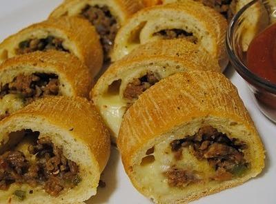 Spicy Sausage Pizza Roulade Recipe