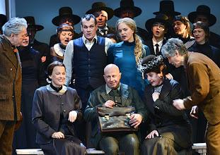 Photo: WIEN/ Volksoper: DIE VERKAUFTE BRAUT von Bedrich Smetana. Inszenierung: Helmut Baumann. Premiere am 17.2.2013. Ensemble. Foto: Barbara Zeininger.