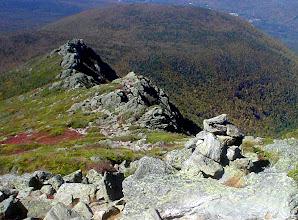 """Photo: Jefferson 23 septembre 2007 Un cairn et 2 """"Castle"""""""
