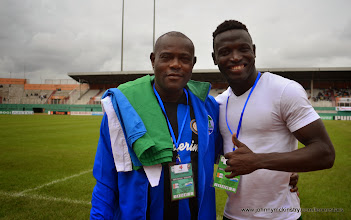 Photo: Former Leone Star Abu Kanu with Alhassan 'Crespo' Kamara [Leone Stars v Ivory Coast, 6 September 2014 (Pic © Darren McKinstry / www.johnnymckinstry.com)]