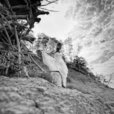 Wedding photographer Monika Zhmuidiene (MenoMagija). Photo of 12.01.2017