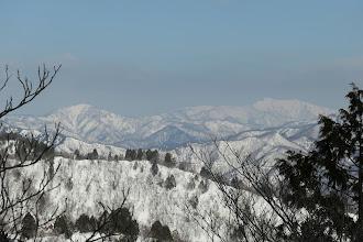 左に木無山、右は経ヶ岳