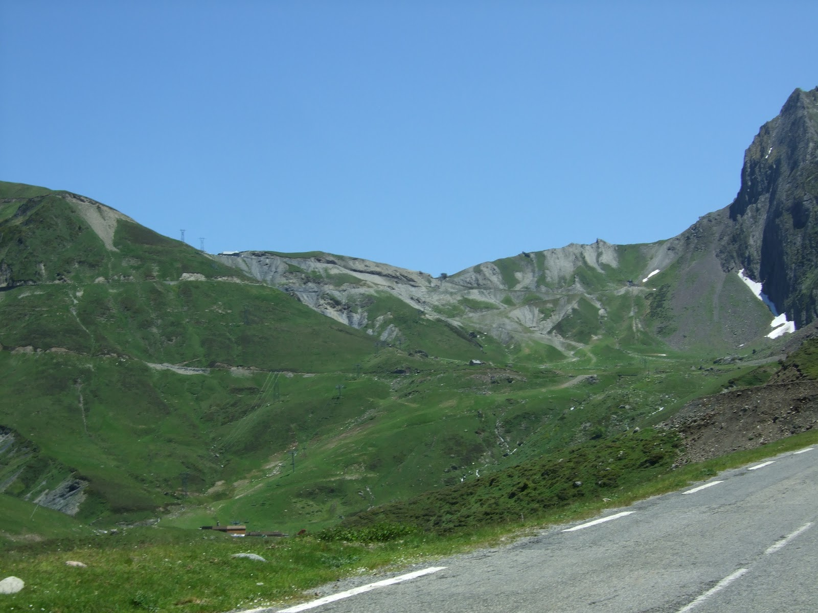 Cycling Col du Tourmalet from west - Luz Saint Sauvuer - photo of col from below - ski runs