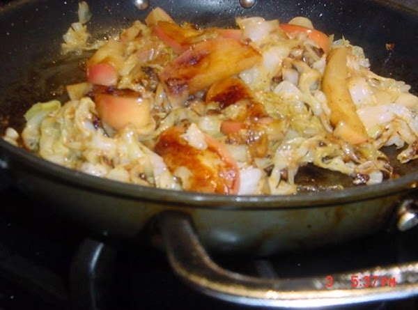 Bonnie's Braised Cabbage With Red Apples And Wine Recipe