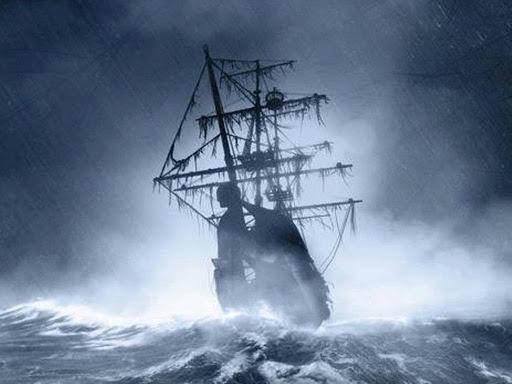 El Caleuche navegando en una tormenta